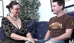 Chubby shaved milf gets fucked at casting