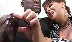 Sexy mama and her black boyfriend suck at nightclub