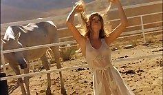 Ceros Siphina Nude Striptease