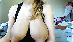 Naturally sexy ebony hoe milks a huge stiff meat