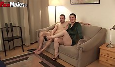 Amateur couple licks and fuck on casting couch