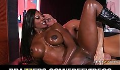 Plump amateur anal fisted by oiled African whore